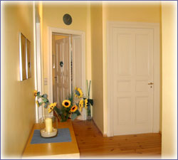 Sämtliche Räume sind in hellen, warmen Farben gehalten.